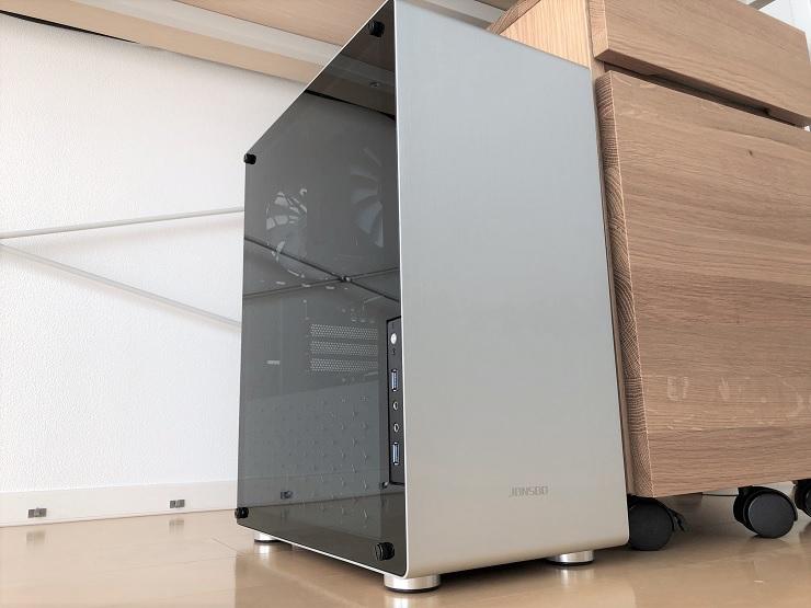 最大8台のモニターと接続可能な高性能デイトレード用パソコン本体